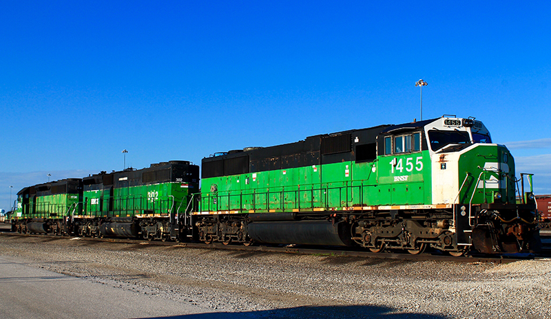Unique SD40-2 B-units Reign on Galesburg Hump