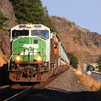 BNSF and UP: Garbage to the Gorge